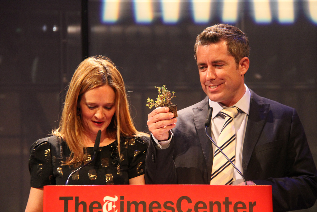 Daily Show correspondents and Shorty Awards hosts Samantha Bee and Jason Jones cracking up the audience