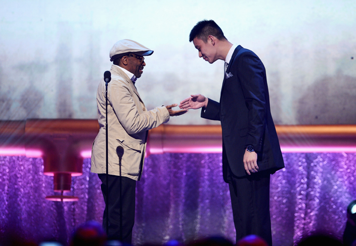 Film-maker Spike Lee and Knicks' Jeremy Lin at the 16th Annual Webby Awards