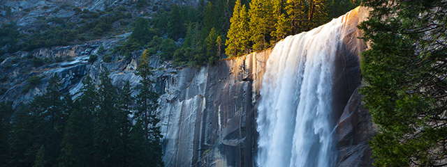 See the waterfalls in Yosemite National Park