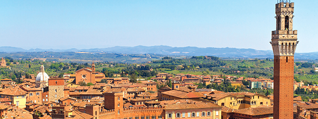 Aerial of Piazza del Campo_Siena_Italy_640x240px