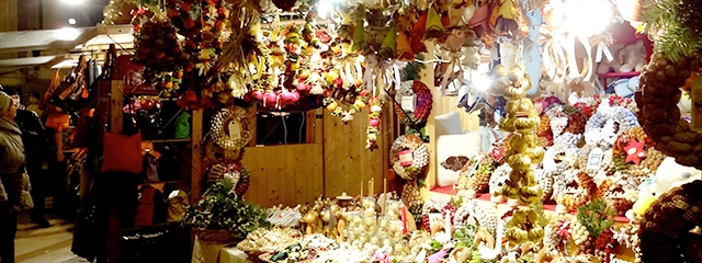 Scented ornaments in European Christmas markets