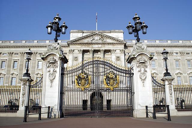 Buckingham-Palace-London-England