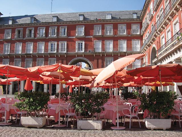 Cafes-at-Plaza-Mayor-Madrid-Spain