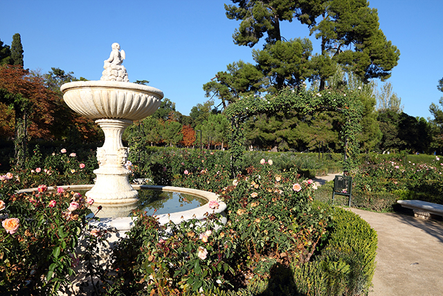 Parque-de-Buen-Retiro-Madrid-Spain-Flowers-Fountain