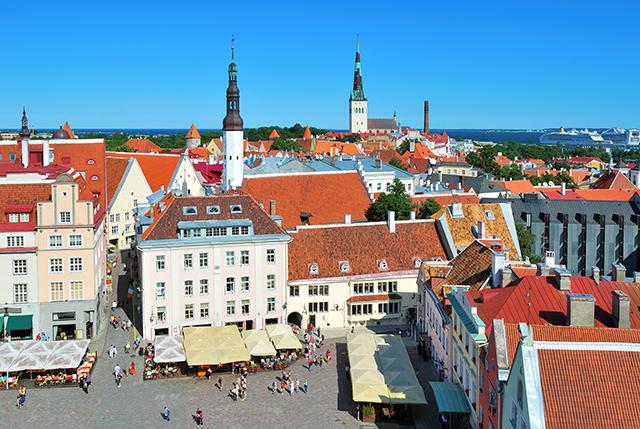 tallinn-baltics-medieval-town-hall