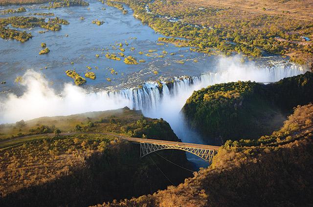 Victoria-falls_640px