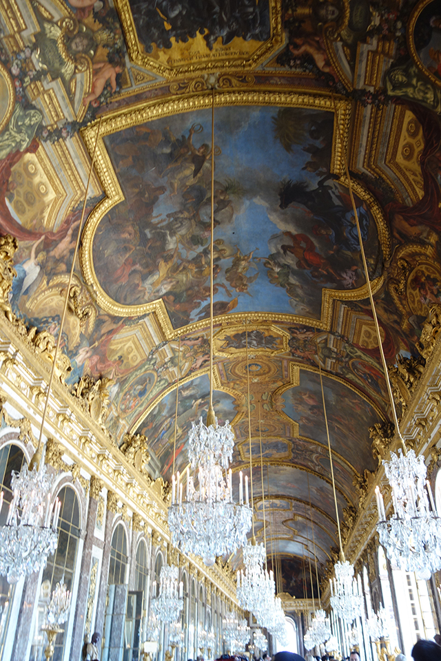 hall-of-mirrors-versailles-france