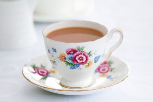 Tea with milk: first or last?
