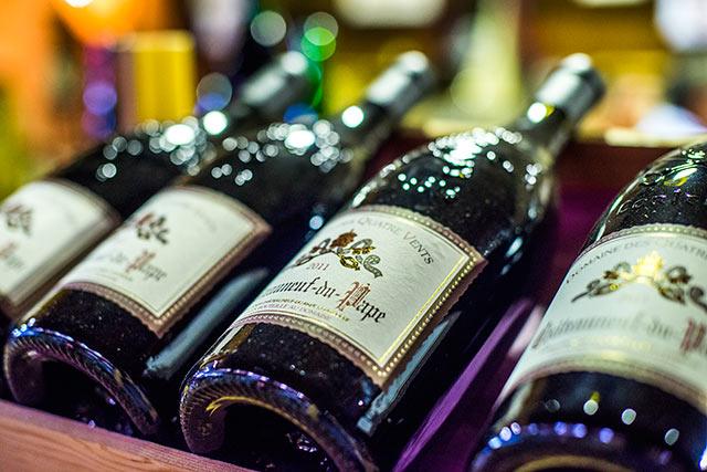 Châteauneuf-du-Pape-Wine-Tasting-&-Dinner