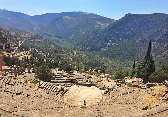 delphi_sanctuary of apollo_4