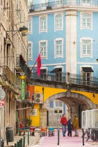 The vibrant colors of down Lisbon