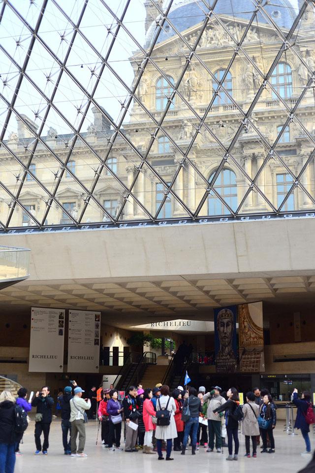 Tour group Louvre pyramid