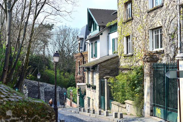 Montmartre side street