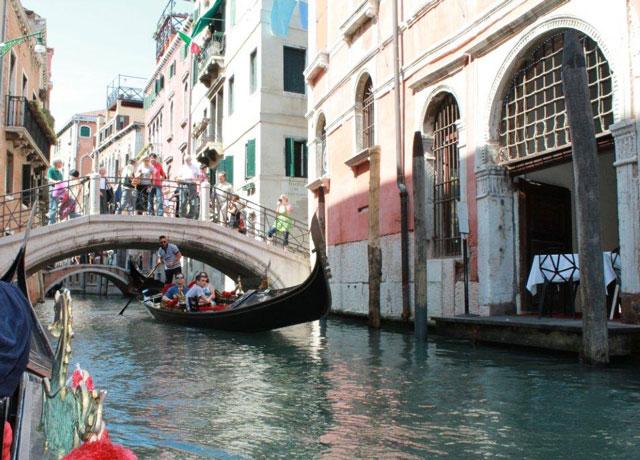 Gondola-Ride-Venice-Italy