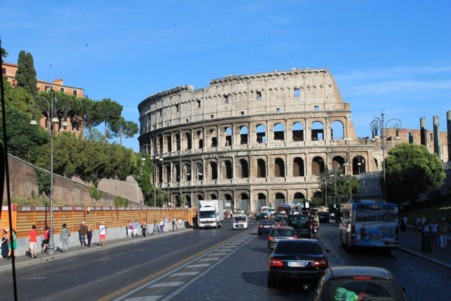 Coliseum-in-Rome-Italy