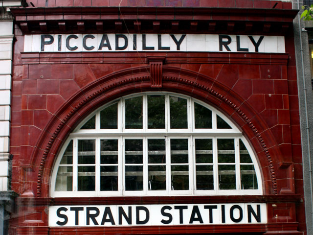 Picadilly Rly, Strand Station, London, England