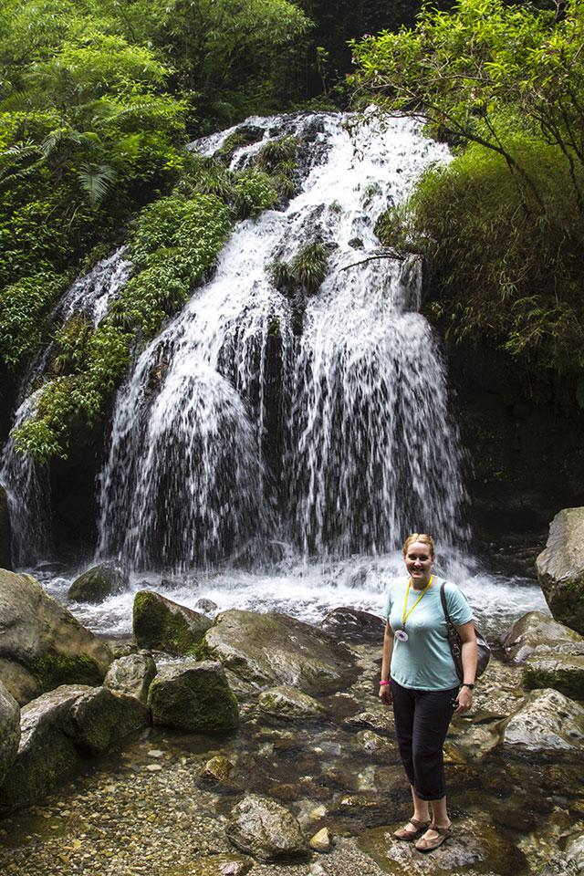 03_waterfall_me