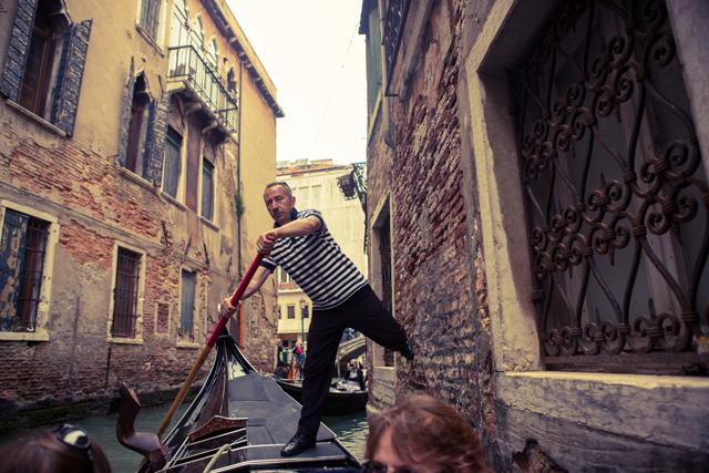 gondola-man-in-venice-by-Dominic-Casserly