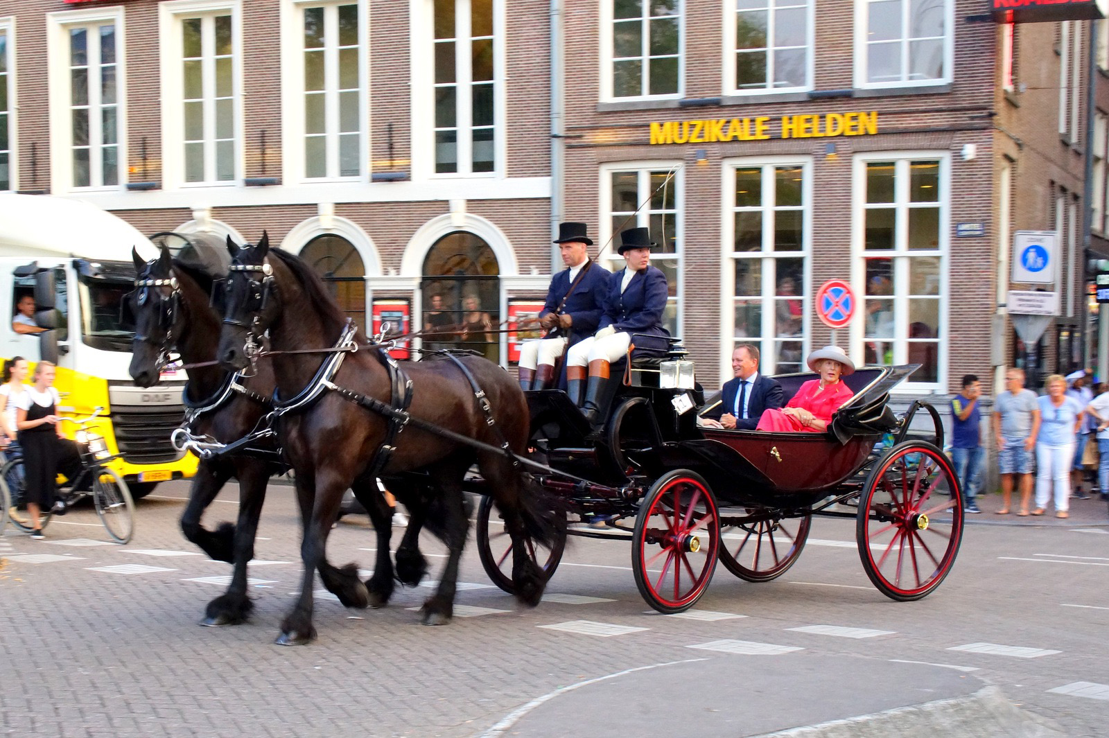 amsterdam_carriage_640px