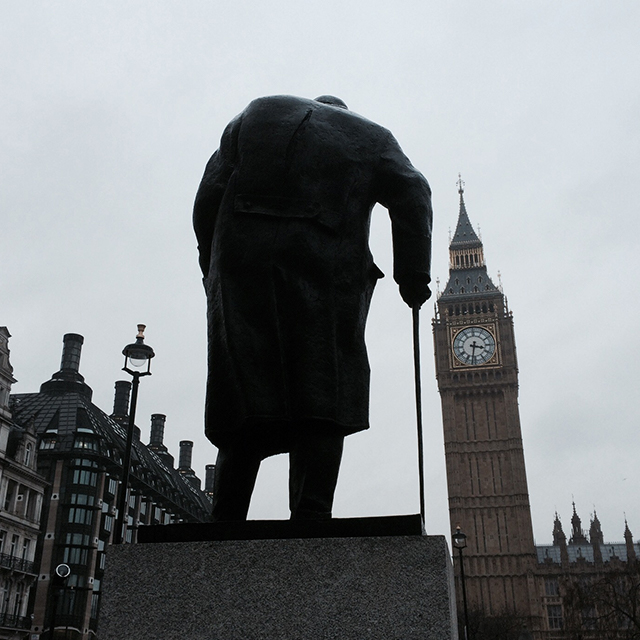 Winston_Churchill_Big_Ben_London