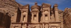 Exploring Jordan: Tips for hiking in Petra