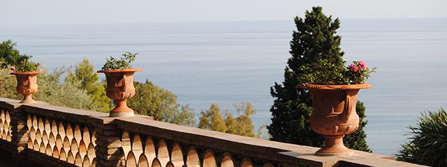 english-gardens-taormina-italy-sicily