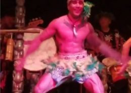 Visiting South Florida? Check out the tiki-rific legs on this dancer
