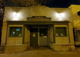 Legendary Chicago dive bar, Manhandler Saloon, closes after 40 years