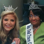 Oak Trace Resident crowned during a ceremony