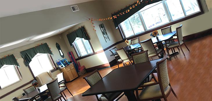 Aneta Parkview dining area