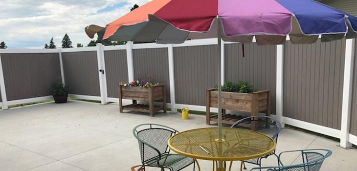 Aneta Parkview back patio and garden boxes