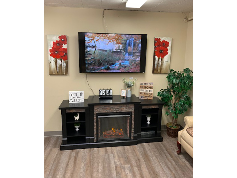 Aneta Parkview indoor tv and lounge area