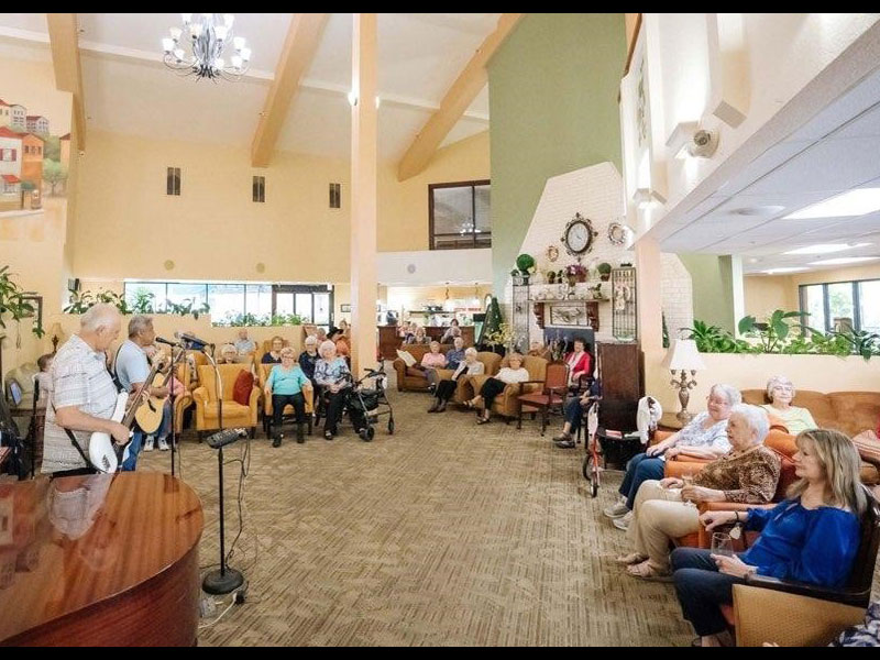 Sierra Regency residents singers entertaining