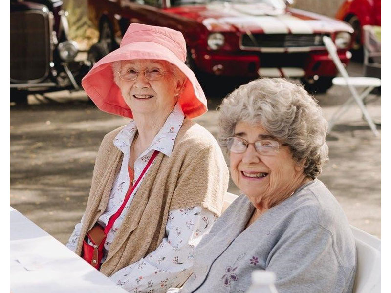 Sierra Regency ladies at the car show