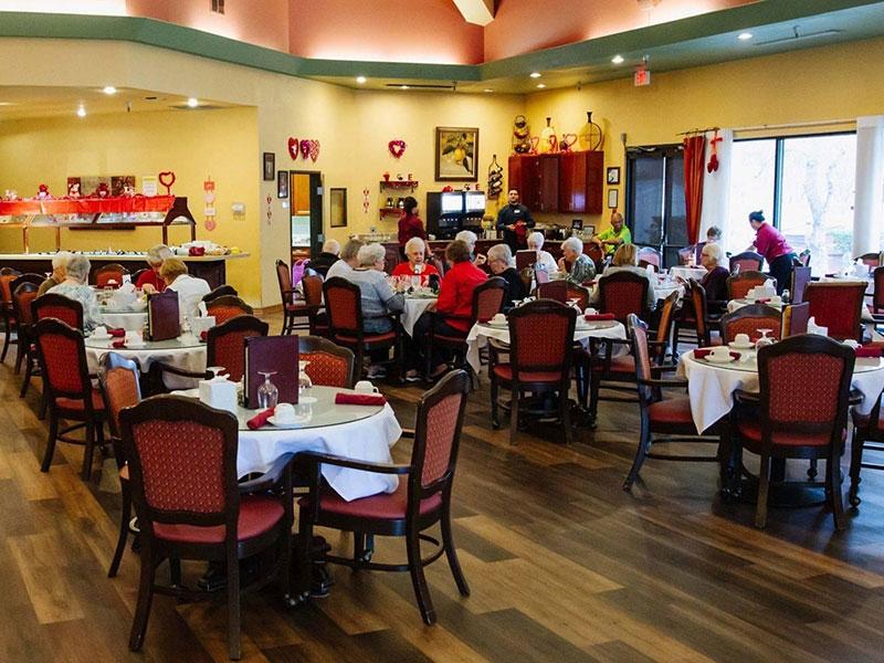 Sierra Regency dining room