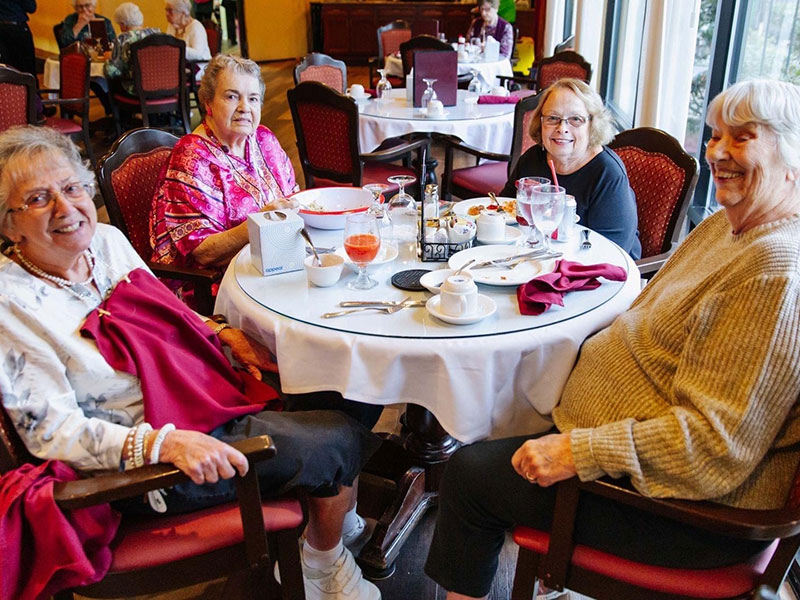 Sierra Regency friends eating lunch together