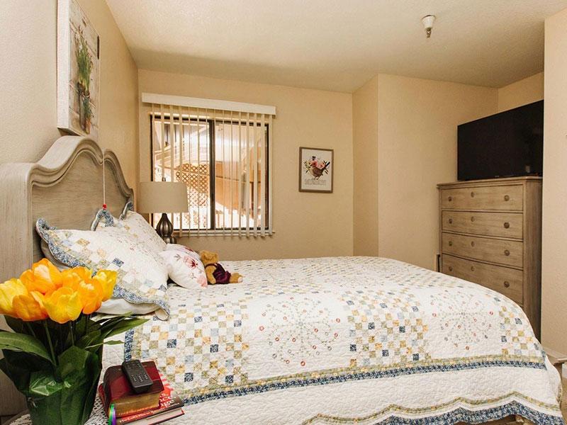 Sierra Regency bedroom
