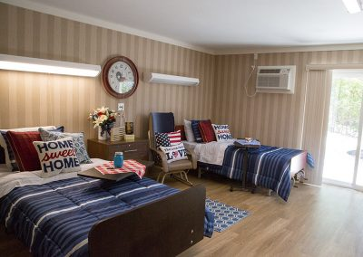 American themed male resident room