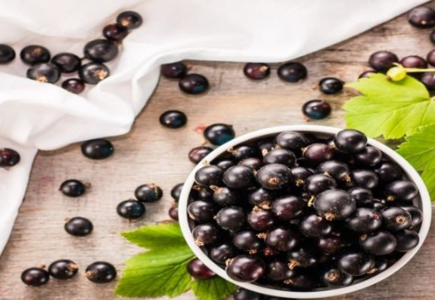 Acai Berries in a bowl
