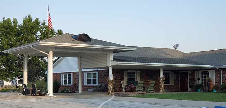 Covered front entrance at Lincoln Community Care Center