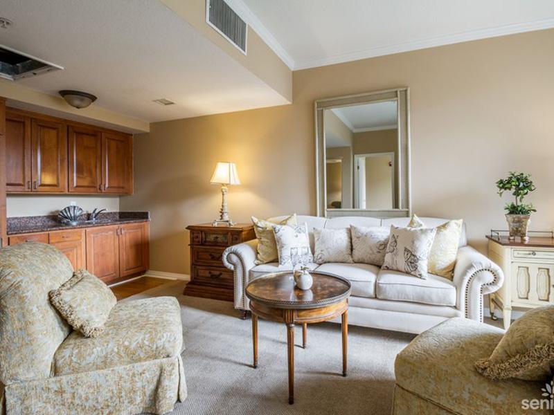 Glen Terra beautiful living room