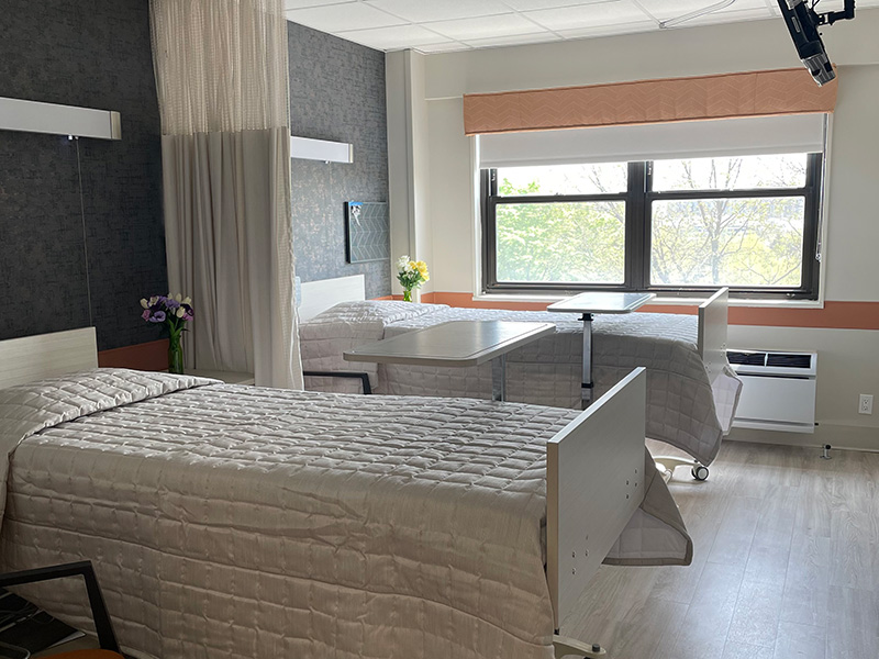 Semi-private suite ar Eastchester's new subacute unit