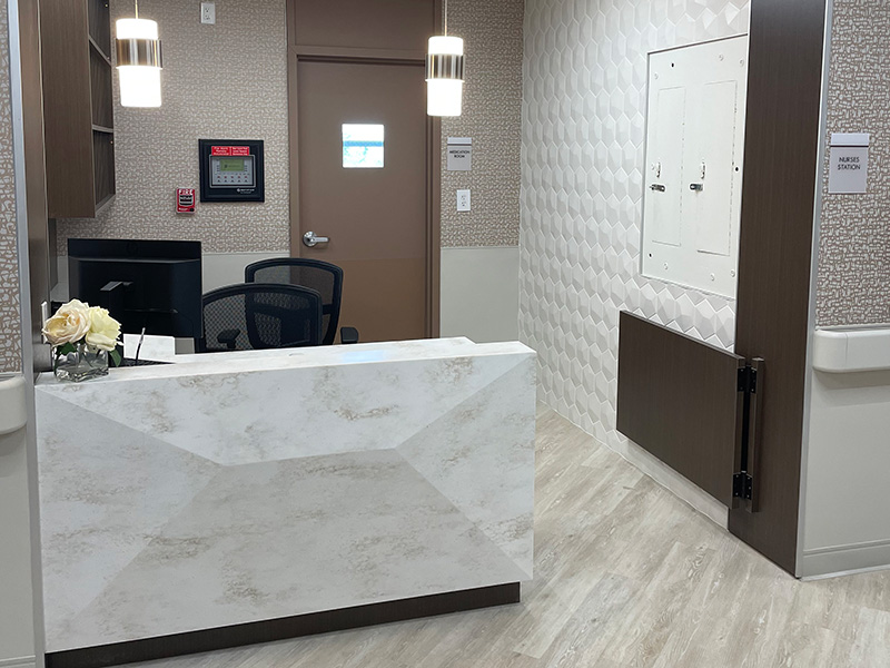 Semi-private suite ar Eastchester's new nurse's station