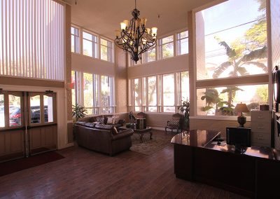 Sunray Healthcare Lobby with a chandelier and comfortable seating