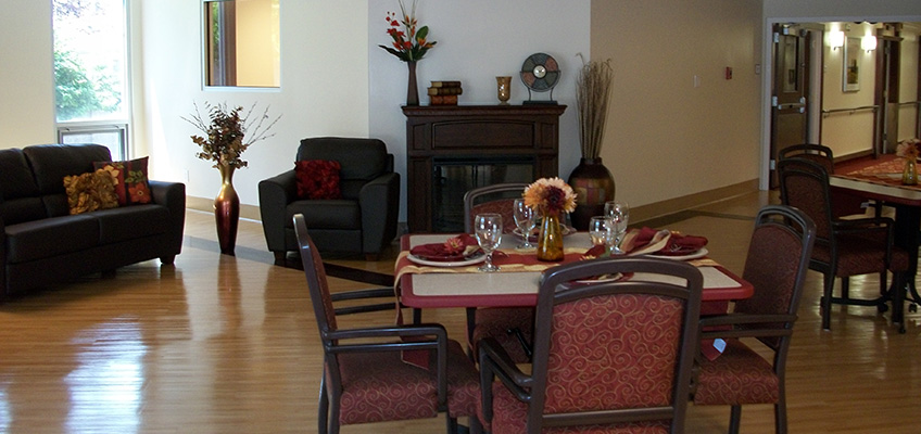 dining area with nice lighting and mood