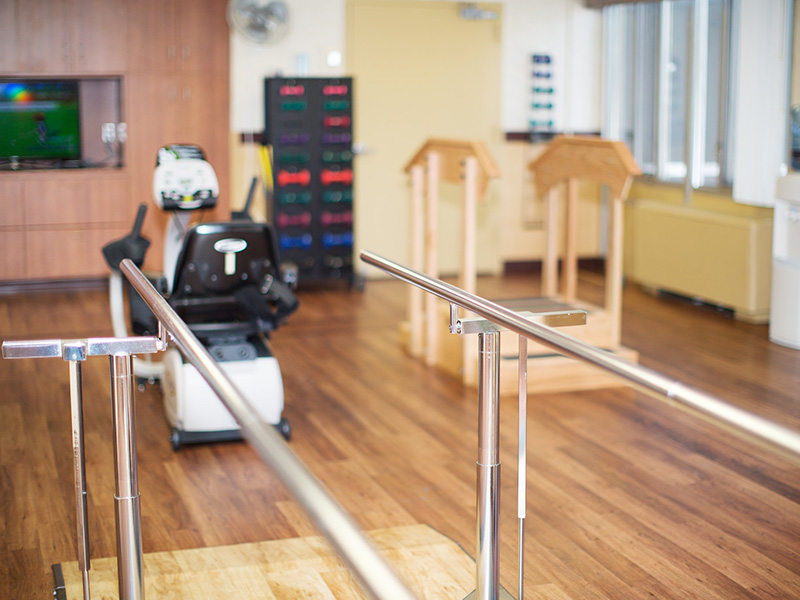 Physical therapy parallel bars