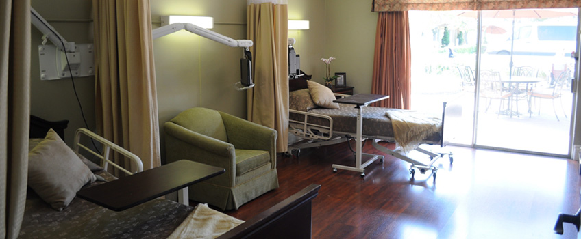 Huntington Valley double occupancy room with comfortable seating
