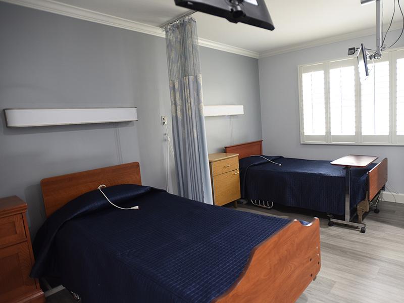 Valley Pointe semi-private room