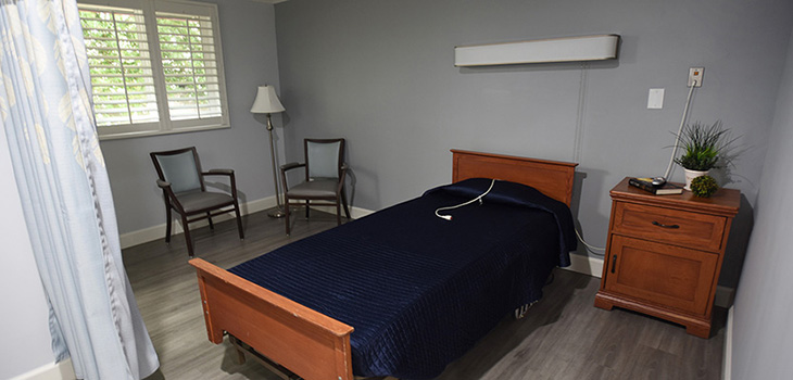 single bed room in valley pointe nursing and rehab