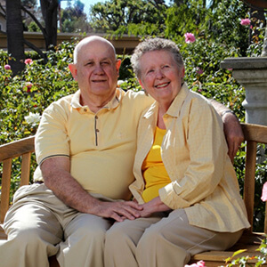 Couple sitting at Ridgeview Health Center and Continuing Care Community in San Diego